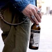 Anillo cuadrado con grabado Working Class y Anillo Rayo - XXL Hardwear Shop Barcelona
