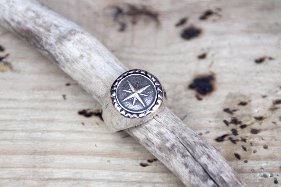 anillo para hombre estrella plata - anillo para hombre rosa de los vientos plata - anillo sello marinero plata - XXL Hardwear Shop Barcelona
